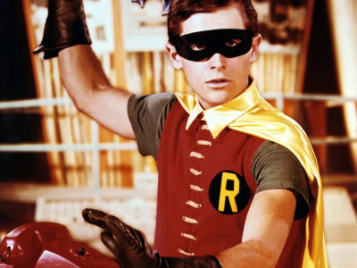 Robin with Batarang 1250 (2)