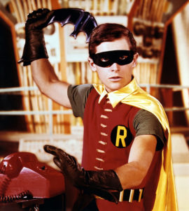 Robin with Batarang 1250 (2)